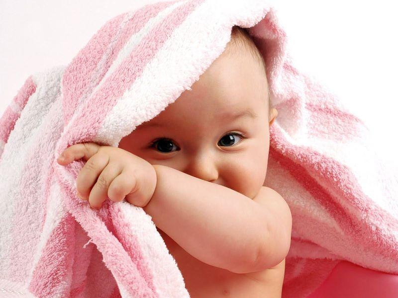 تفاوت شب و روز در استحمام نوزادان