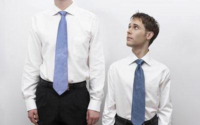 آقایان بخوانند: آیا می خواهید بلند قد به نظر برسید؟
