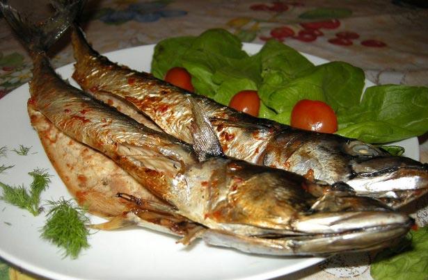 طرز تهیه ماهی تنوری با سس گوجه ای