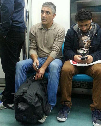 فردی شبیه بازیگر مشهور هالیوودی در مترو تهران! + عکس