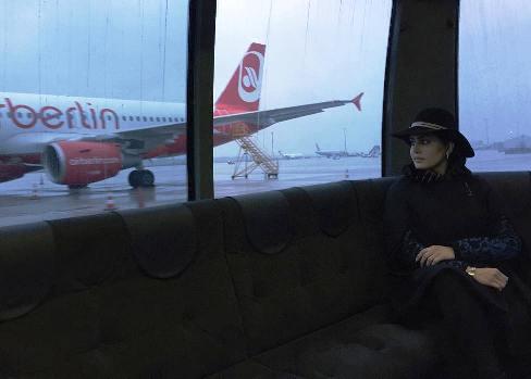 دلنوشته الناز شاکردوست در فرودگاه آلمان + عکس