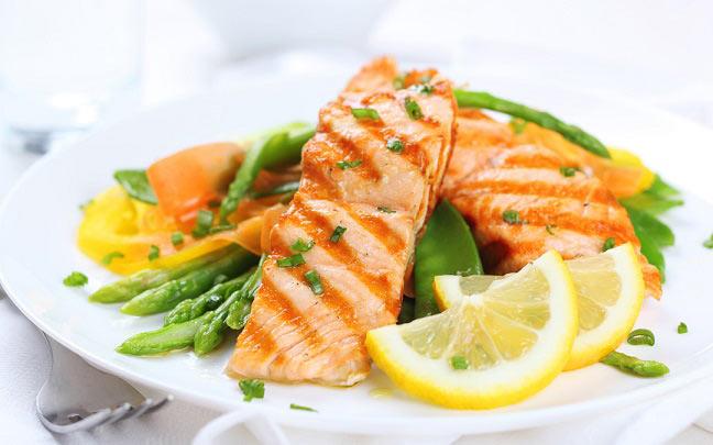 به این ۱۰ دلیل ماهی بخورید