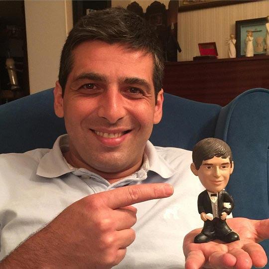 حمید گودرزی و عروسک بامزه اش! + عکس