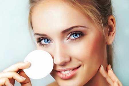 آموزش گام به گام پاک کردن آرایش از روی صورت