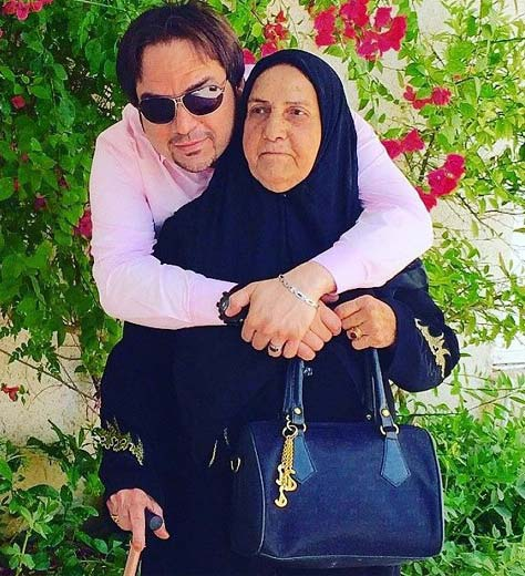 شهرام قائدی در آغوش مادرش / عکس