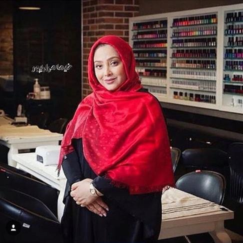 خانم بازیگر مشهور ایرانی آرایشگر شد! + عکس