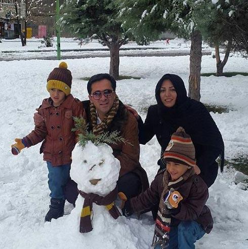 برف بازی المیرا شریفی مقدم با همسر و فرزندانش! + عکس