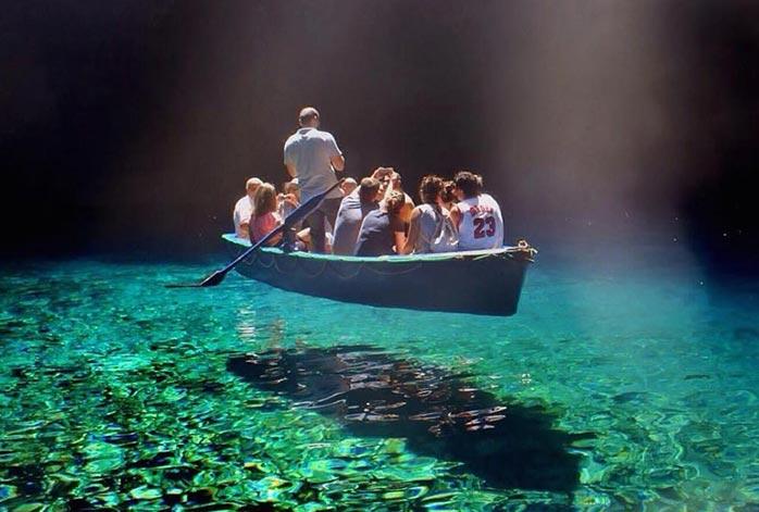 تصاویر باور نکردنی از زلال ترین دریاچه جهان