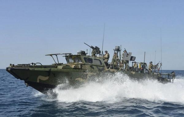 امکانات قایق آمریکایی در دست سپاه + تصاویر