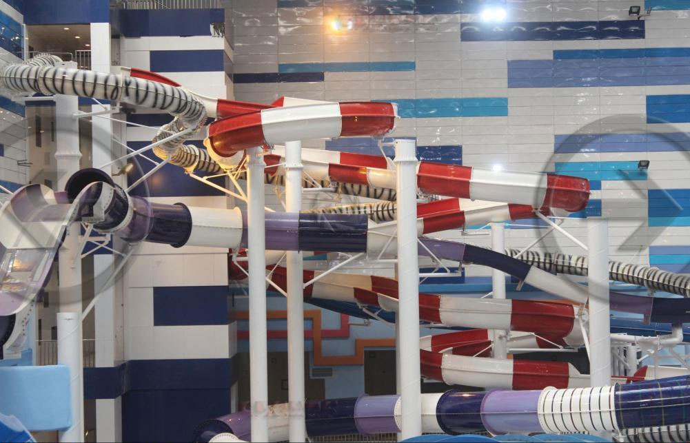 بزرگترین مجموعه آبی سرپوشیده جهان در مشهد افتتاح شد+عکس