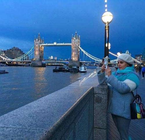گردش الناز شاکردوست در خیابان های لندن+عکس