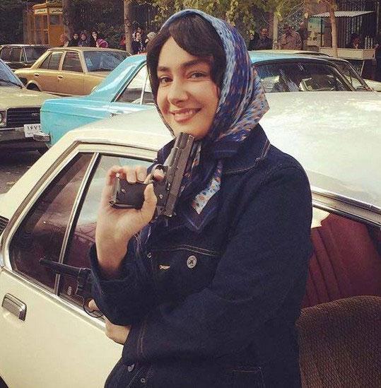 هانیه توسلی با اسلحه ای در دست+عکس