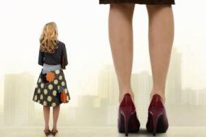 امتیازاتی که زنان کوتاه قد نسبت به زنان بلند قد دارند!