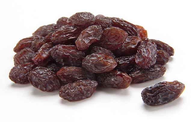 مصرف این میوه خشک باعث پوسیدگی و خرابی دندان می شود