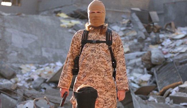 آرایشگر والی داعش روز (جمعه) تیرباران شد.