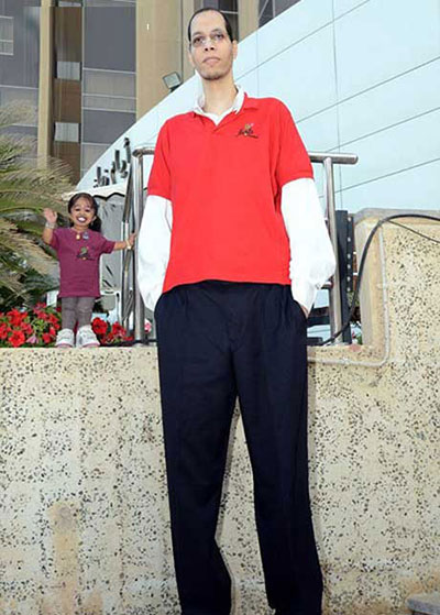 قد کوتاه ترین زن دنیا در کنار بلند قد ترین مرد دنیا +عکس