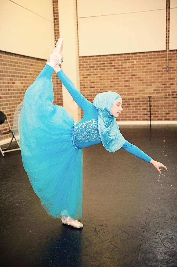 اولین بالرین باحجاب دنیا+عکس