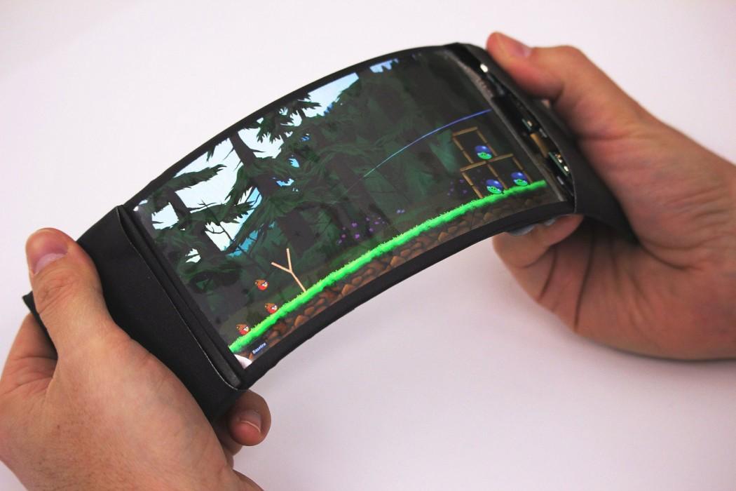 تلفن هوشمندی که همچون کتاب ورق می خورد