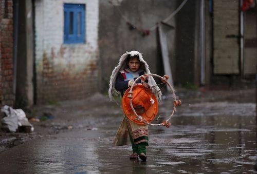 یک روز بارانی در سرینگر کشمیر