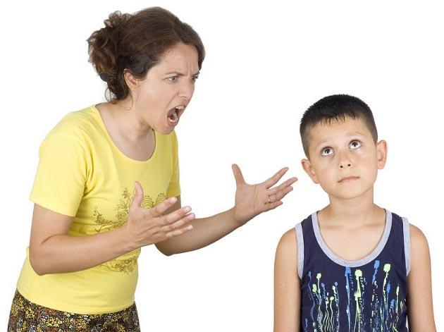 پیامدهای منفی داد زدن بر سر کودکان