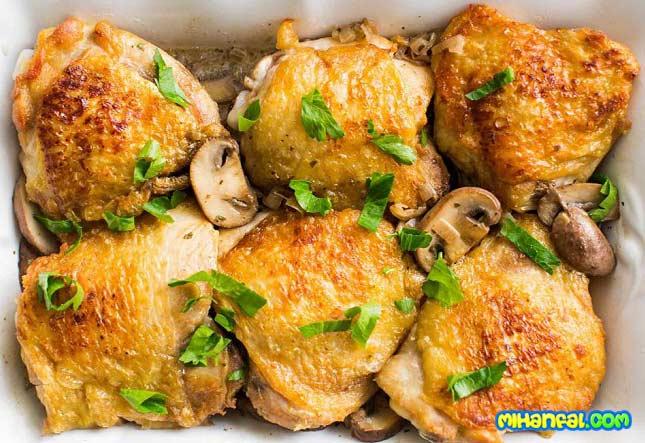طرز تهیه ران مرغ سوخاری با سس قارچ