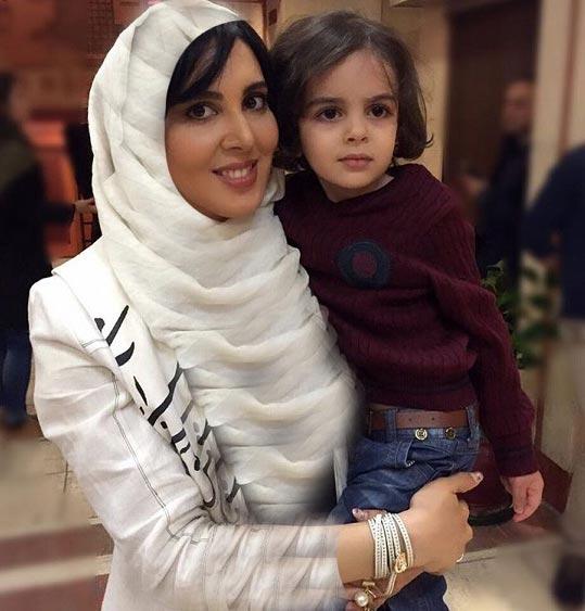 عکس جدید لیلا بلوکات و خواهرزاده اش