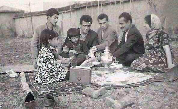 عکسی از سیزده بدر ۷۰ سال پیش