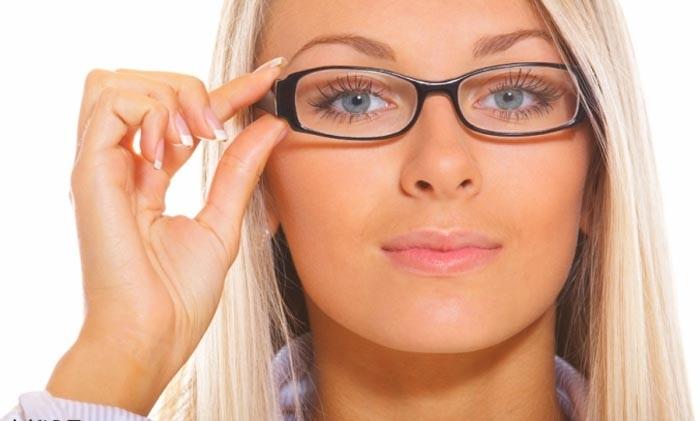 مخصوص خانمهای عینکی: آموزش آرایش صورت