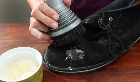 آموزش تصویری تمیز کردن کفش های جیر