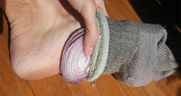 هر شب داخل جوراب هایتان پیاز بگذارید!