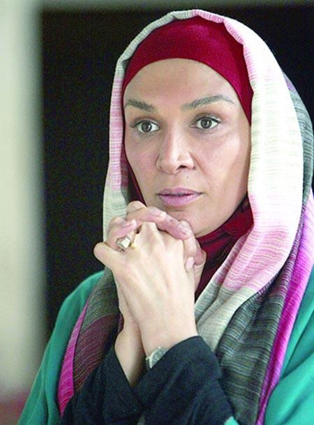 مینا نوروزی بازیگر معروف تلویزیون و دستفروشی در مترو