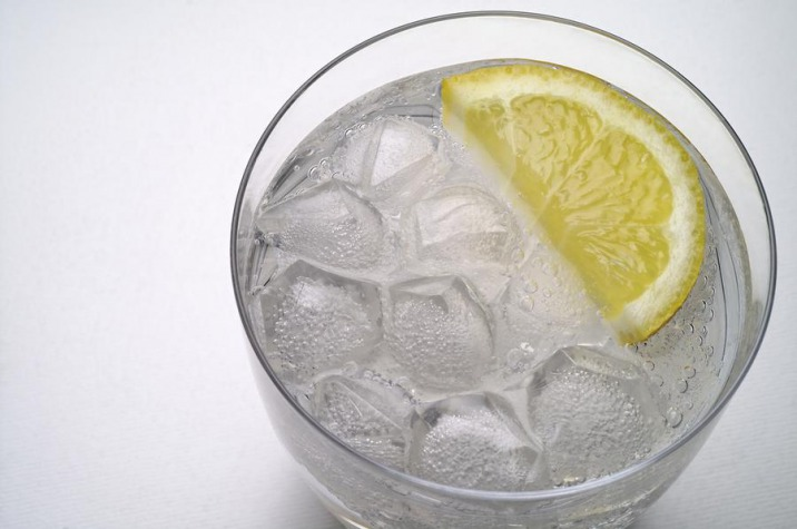 مصرف آب خیلی سرد منجر به ضعیف شدن کبد و در نهایت بروز کبد چرب می شود.