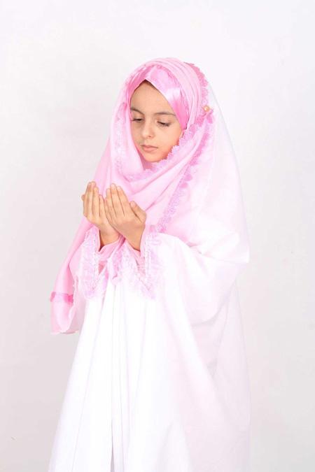 praying-chador3-e2