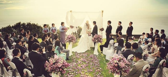 لباس مهمانان جشن عروسی باید چگونه باشد؟