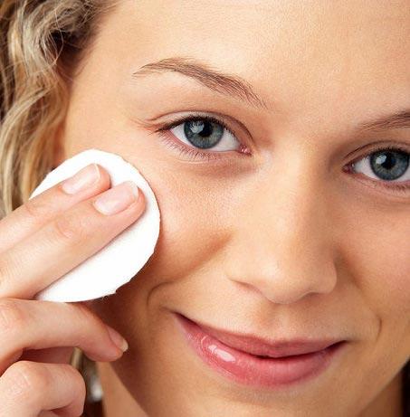 تمیز کردن آرایش صورت از نوع خانگی