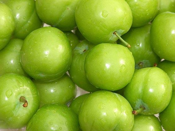 این میوه خوشمزه ضد چین و چروک پوست می باشد