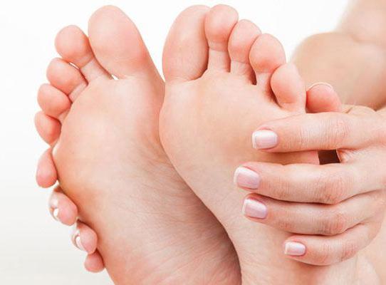 علت داغی کف پا و روش درمان آن