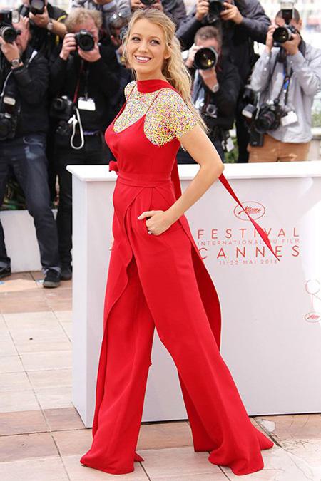 مدل لباس بارداری بلیک لایولی در جشنواره کن