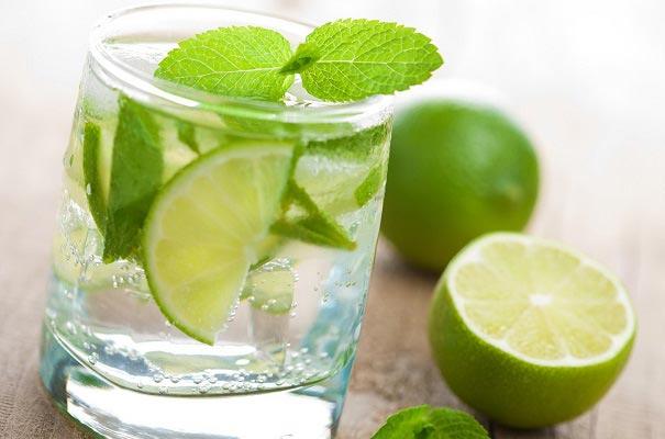 یک نوشیدنی خنک برای فصل تابستان