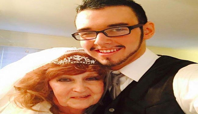 ازدواج پسر 17 ساله با پیر زن 71 ساله + عکس