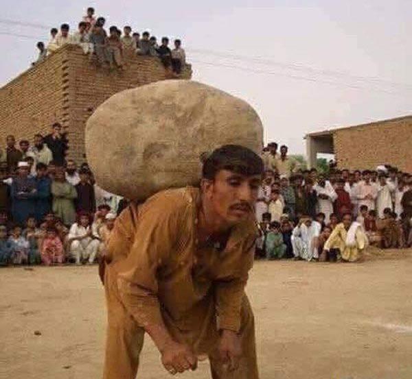 رسم عجیب پاکستان برای مردانی که همسر دوم می خواهند! + عکس