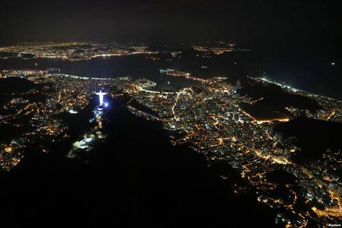 نمایی شبانه از شهر ریودوژانیرو برزیل دو هفته مانده به آغاز المپیک تابستانی ریو