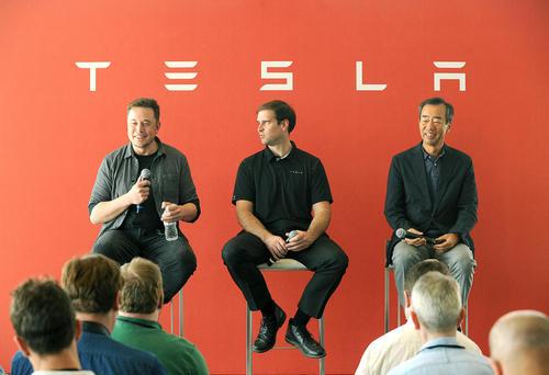 نشست خبری مسئولان کمپانی تولید خودرو