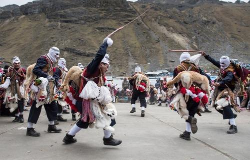 یک جشنواره سنتی بومیان در پرو