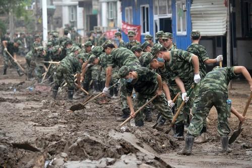 پاک کردن گل و لای سیل – چین