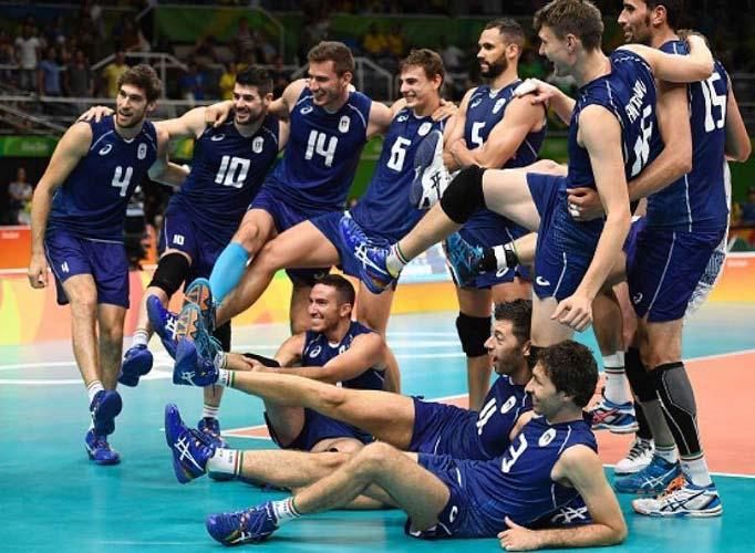 شادی ایتالیا پس از حذف ایران + عکس
