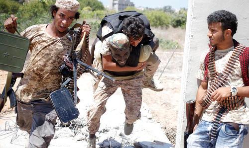 نبرد نیروهای دولت لیبی با داعش در حومه شهر سرت لیبی