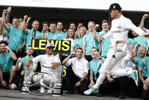 تیم مرسدس فاتح مسابقات اتومبیلرانی جایزه بزرگ فرمول یک – آلمان
