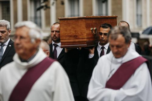 مراسم تشییع جنازه کشیش 88 ساله فرانسوی که به دست دو گروگانگیر داعشی کشته شده بود