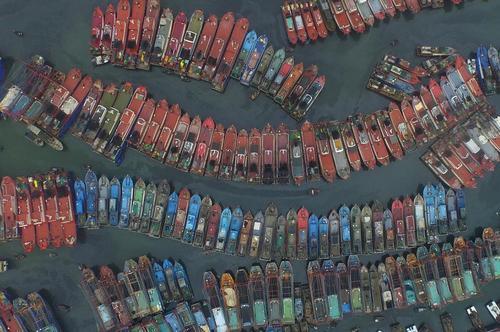 قایق های ماهیگیری در بندری جنوبی در چین